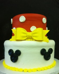 Minni Mouse, cake, cinottis bakery, birthday, baby, girl, fondant bow, yellow, red, black, Disney, mickey mouse, daisy, minnie mouse bow