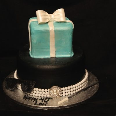 Breakfast at Tiffany's Audrey, pearls, diamonds, blue box, new york, glasses, black, birthday cake