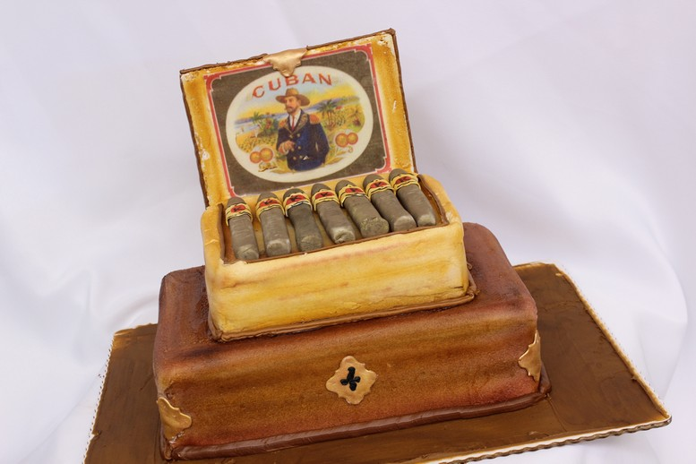 Cigar Box Cinottis Bakery