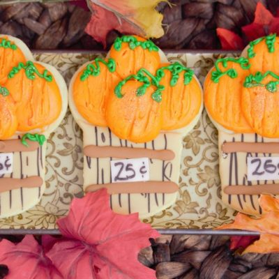 barrel-of-pumpkins-fondant-icingpumpkin-patchcookiesfall-pupmkins-patch-thanks-gobble-turkey-thanksgiving-table-place-holder-barrel-cinottis-bakery-autumn-leaves