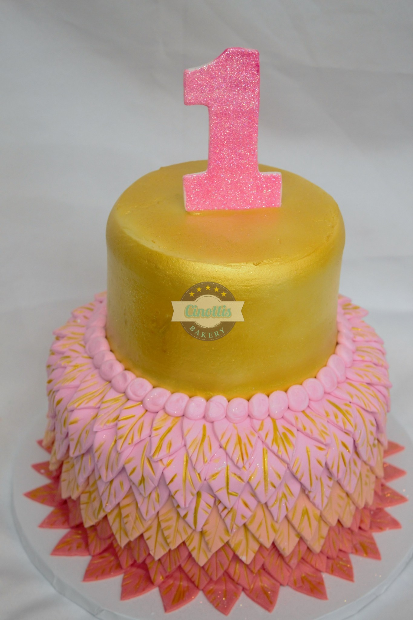 golden frilly flamingo-baby-gold-pink-ombre-feathers-fondant-buttercream-cinottis-bakery-jacksonville-party2