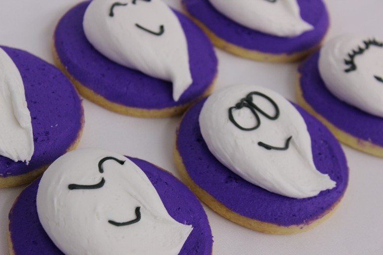 Puffy Ghosts-cookies-spooky-ghosts-skeletons-zombie-frankenstien-boo-pumpkin-jack-o-lanterns-haunted-house-witches-brew-couldren-candy-corn-spiders-tombstones-mummy-witch-eyes-hats-par