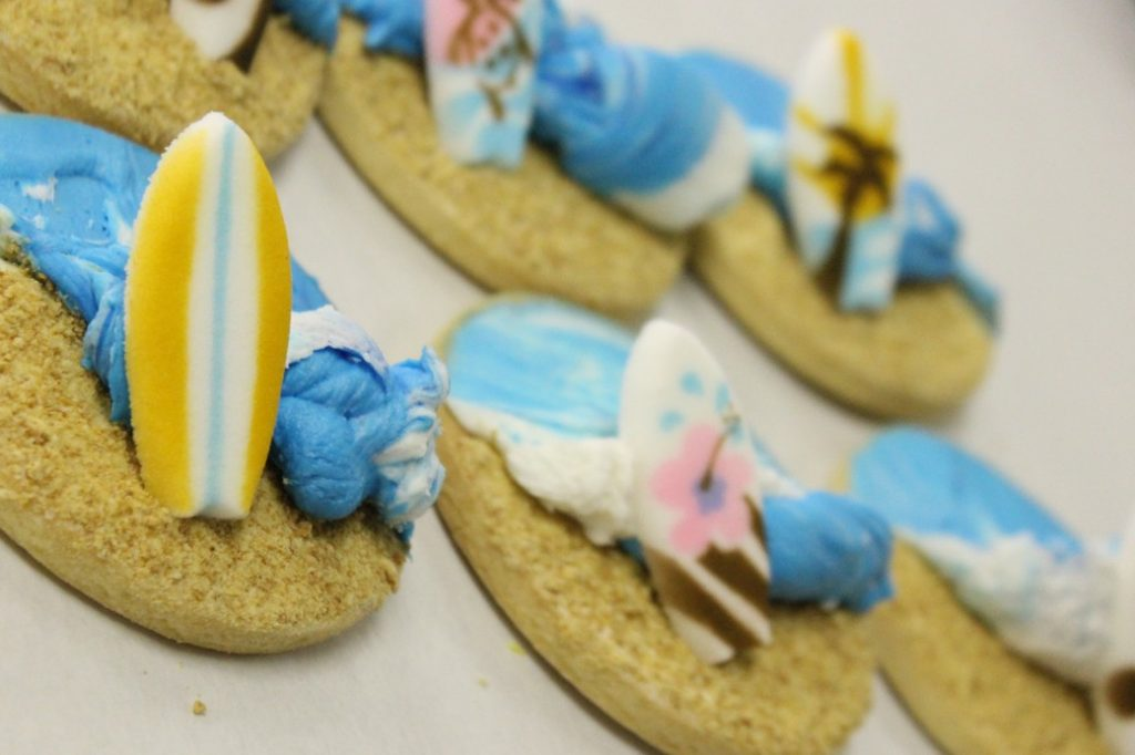 Buttercream Beach Theme, Dolphins, sand, waves, ocean FLipper, Blue, Cinottis Bakery, fun in sun, surf, starfish, seahorse, pail, ball, umbrella2