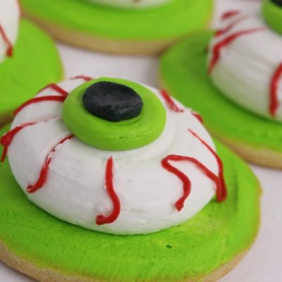 Monster Eye, spooky-ghosts-skeletons-zombie-frankenstien-boo-pumpkin-jack-o-lanterns-haunted-house-witches-brew-couldren-candy-corn-spiders-tombstones-mummy-witch-eyes-hats-par